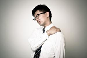 肩の痛み・肩こりの原因
